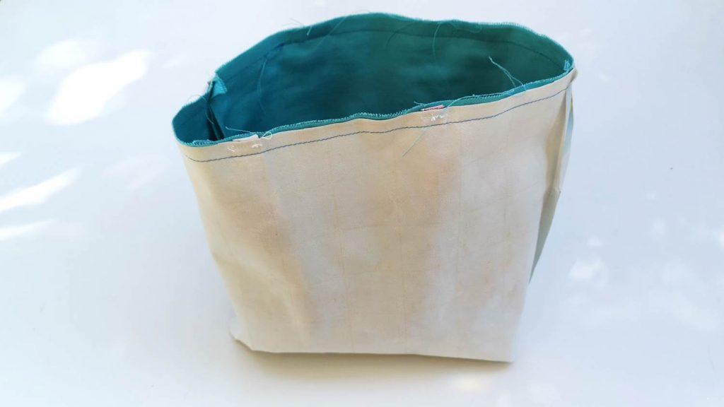 oberer Teil der Tasche aus Wachsstoff
